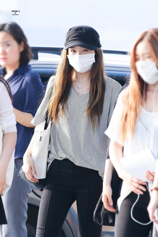 Seulgi Fashion Seulgi Airport Fashion Seulgi Airport 2016 Red Velvet Seulgi 2016 Seulgi Outfits Kpop Idol Airport Korean Fashion Red Velvet Seulgi Fashion