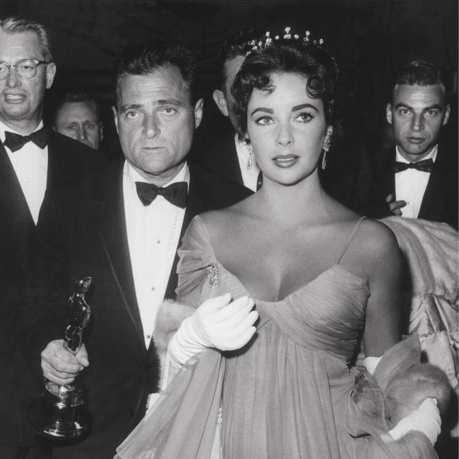 Elizabeth Taylor Wore Her Tiara A Lot in 1957