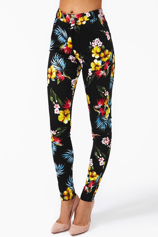 I'd wear these with a cute bustier top and a bandana in my hair - so pinup!