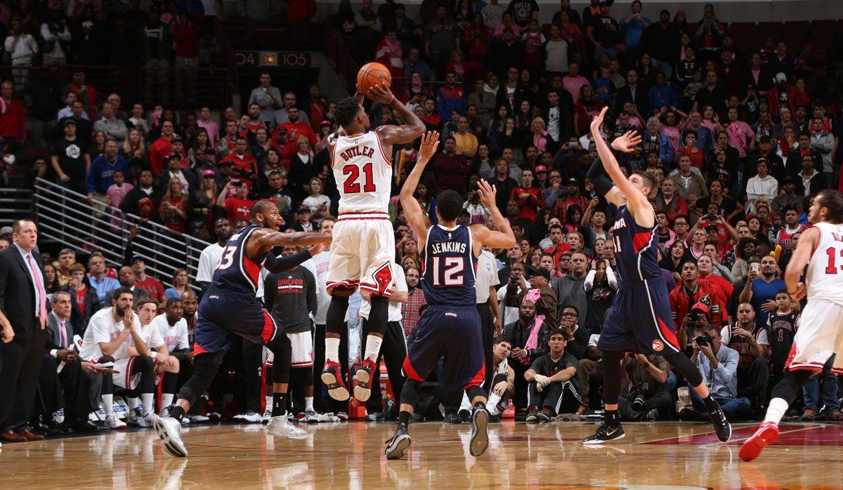 Bulls Rally To Defeat Hawks In Dramatic Fashion Chicago Bulls Chicago Bulls Team Dramatic Fashion Nba