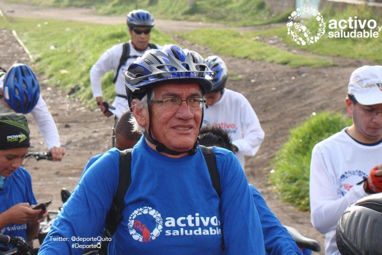 Mario Uribe, 60 años fue parte de la caravana de ciclistas que llegaron en bicicleta desde en conocido barrio de Luluncoto al sur de la ciudad hasta las instalaciones del nuevo Aeropuerto de Quito Tababela. Recorrido Aproximado 51 km