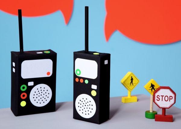 walkie talkie tetra packs upcycling diy basteln mit kindern kindergeburtstag produziert. Black Bedroom Furniture Sets. Home Design Ideas