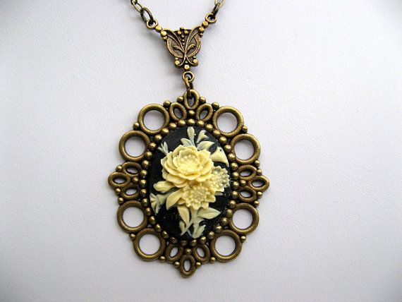 Gorgeous necklace!