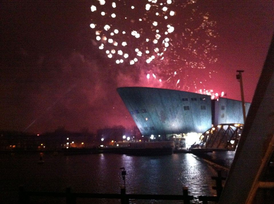 Fireworks Over The Nemo Museum Happy New Year Amsterdam Awesomeamsterdam Com Amsterdam New Years Eve Amsterdam New Year New Years Eve Fireworks