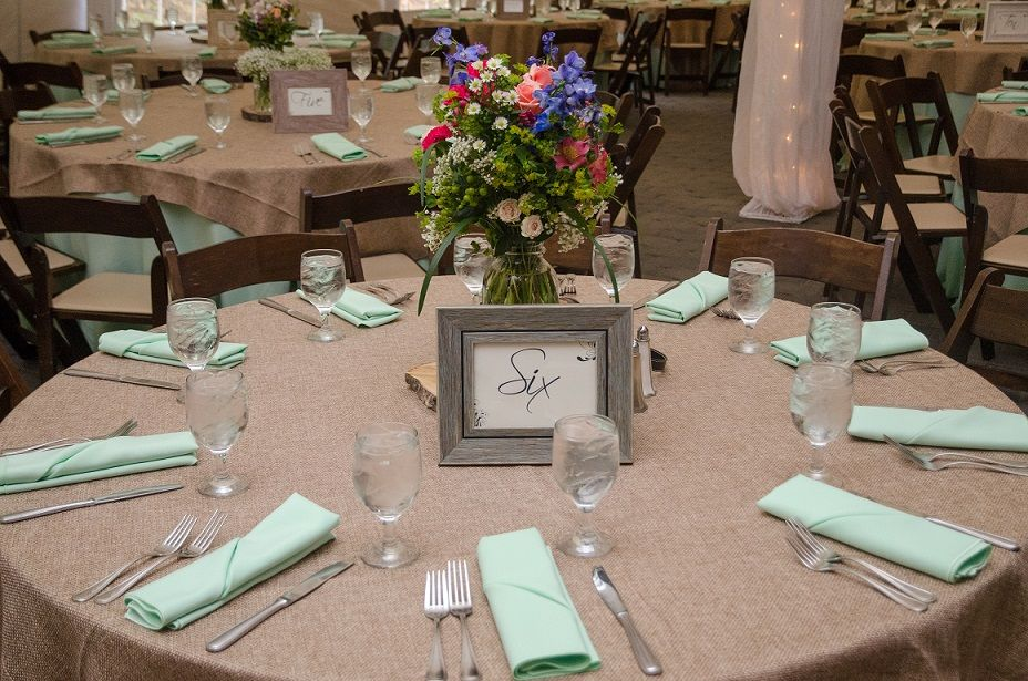 long table setup wedding reception%0A Wedding burlap overlay table linen  Zeffert and Gold Catering  u     Event  Planning