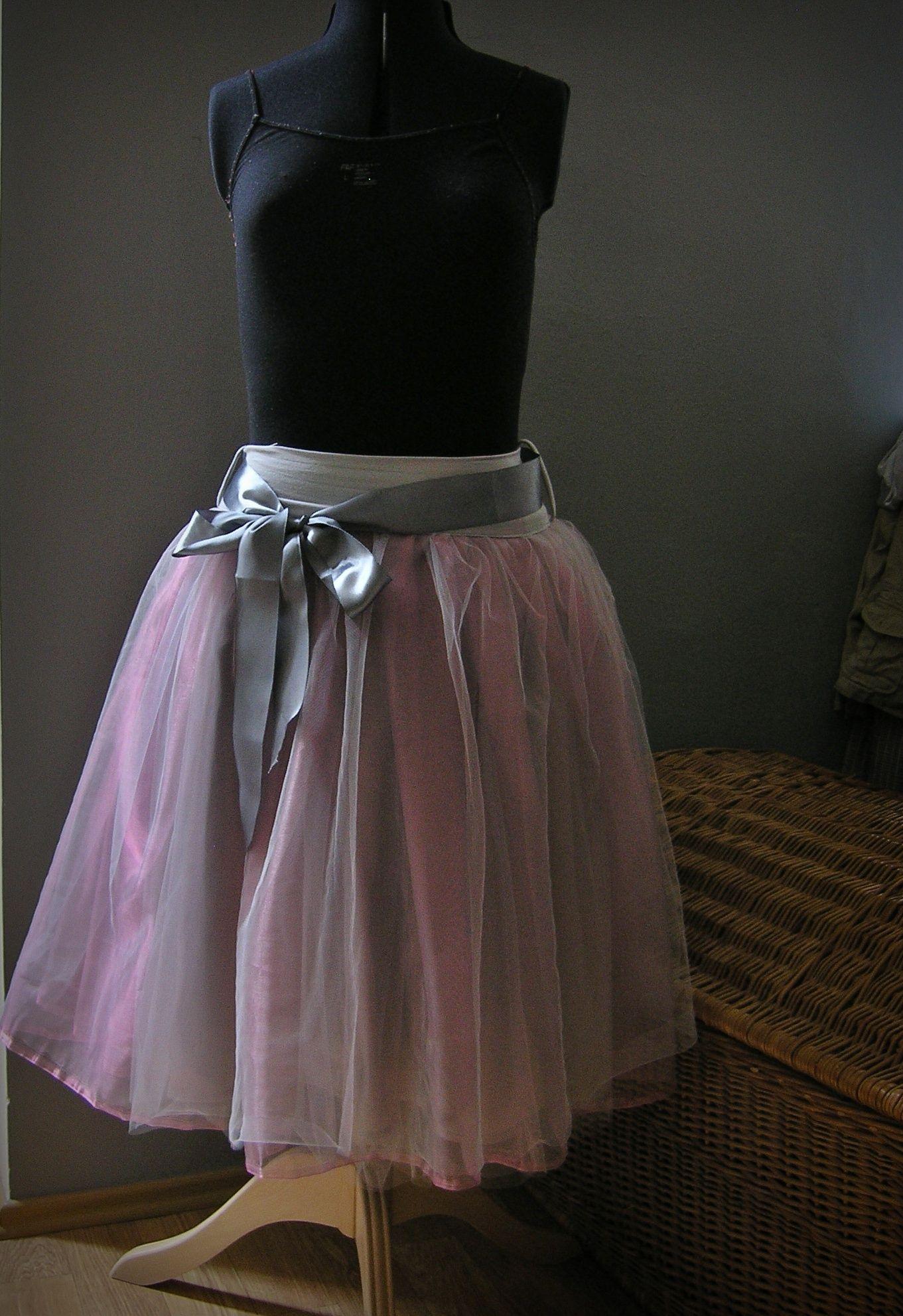 Spodnička a sukně....šeříkově šedá na přání pro družičku ... 23d76b9b5a