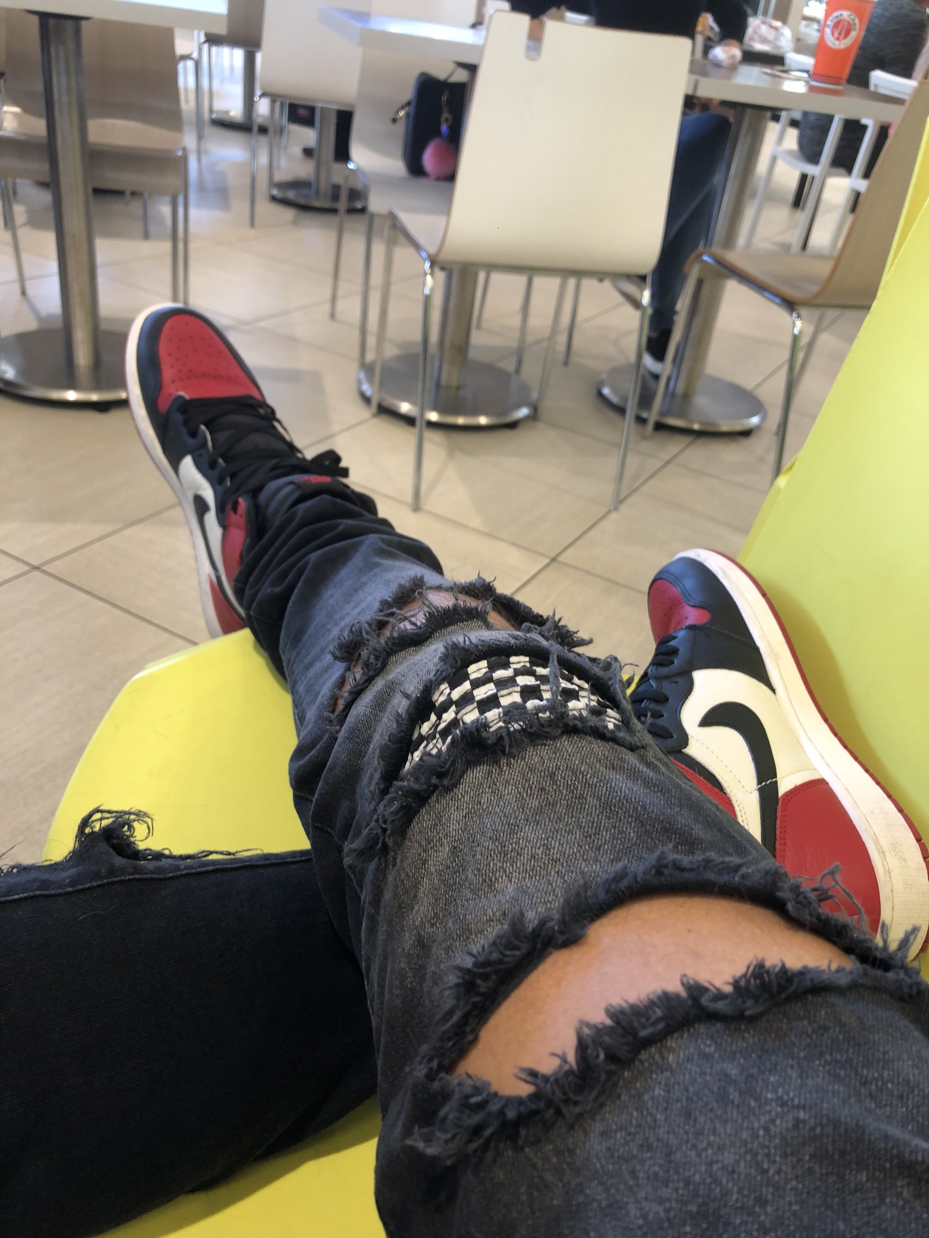 5540d75b2fa1  bred  toes  toe  1s  retro  jordan  distorted  jeans  black  checkered   outfit  zara  sneakers  sneakerhead  swoosh