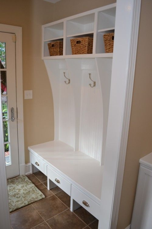 Mudroom Bench With Drawers Below And Open Space For Shoes