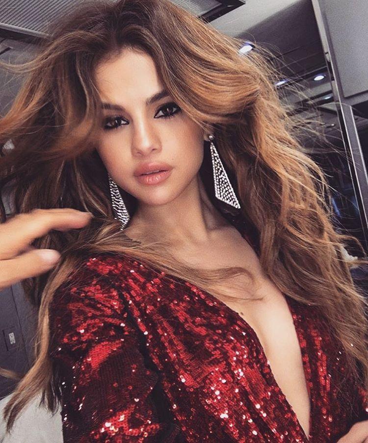 Pin De Alexandra En Selena Gomez Pinterest Selena Peinados Y - Muchachas-guapas
