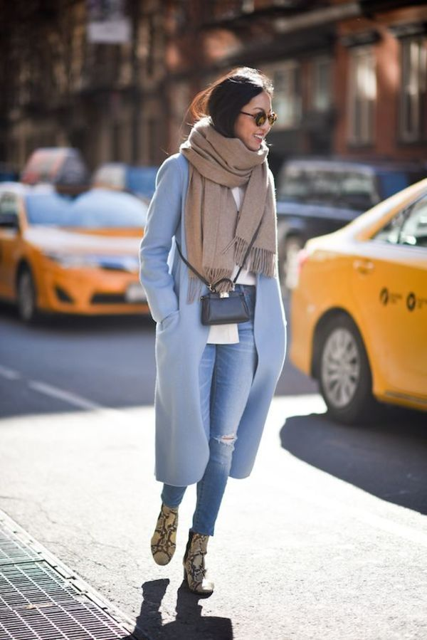 708babe8d07a fall layering with sand scarf and baby blue coat 秋のスタイル, 冬服,