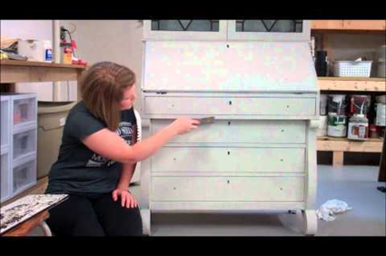 Milk Paint tutorial on getting the Chippy Look from Miss Mustard Seed. DIY Furniture refinishing