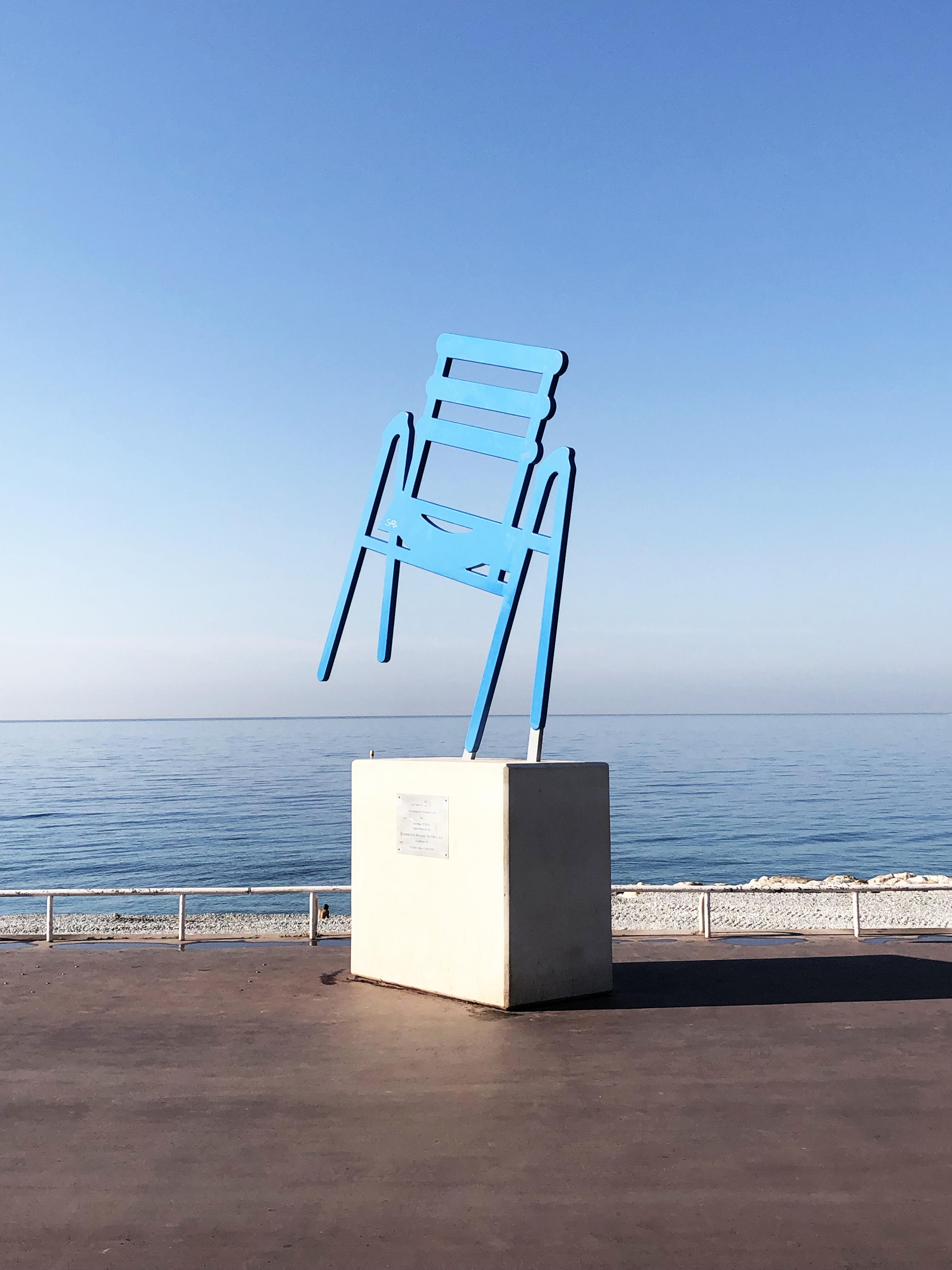 La Chaise Bleue De Sab Voyage En France Nice France Chaise Bleu