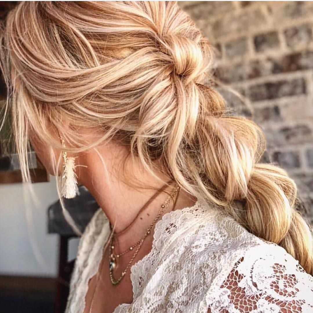 Soft texture undone bridal hairstyle