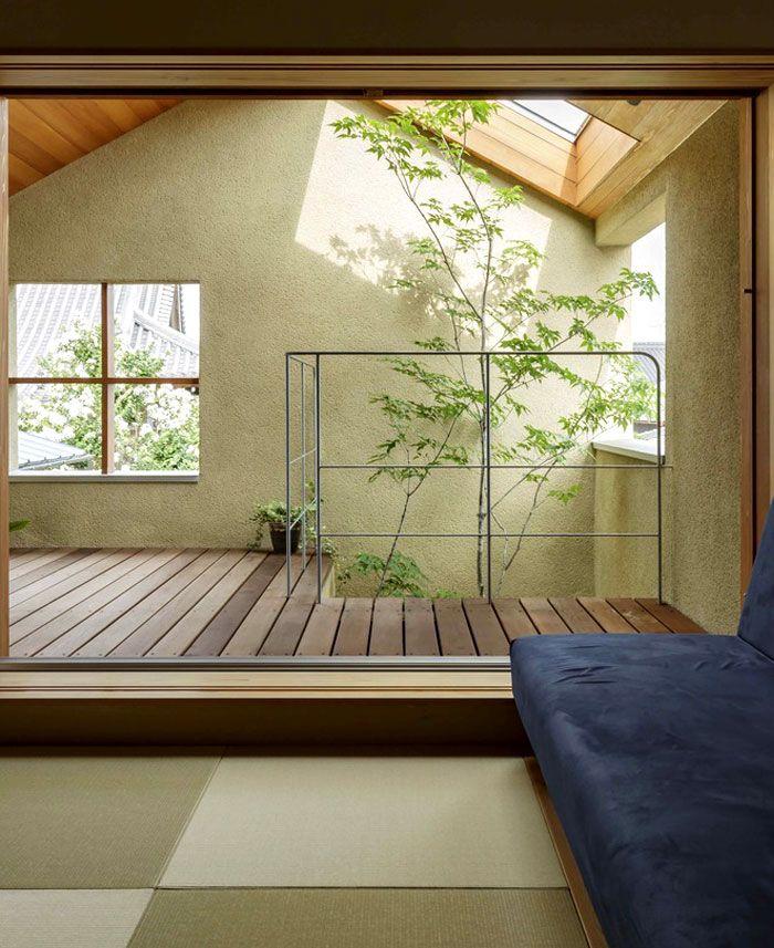 Modern Zen House Design: Japan Micro House With Small Zen Garden