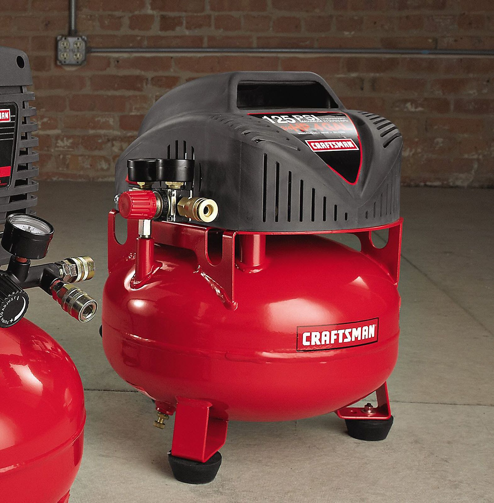 Craftsman 4 Gallon Oil Free Pancake Air Compressor 104.99