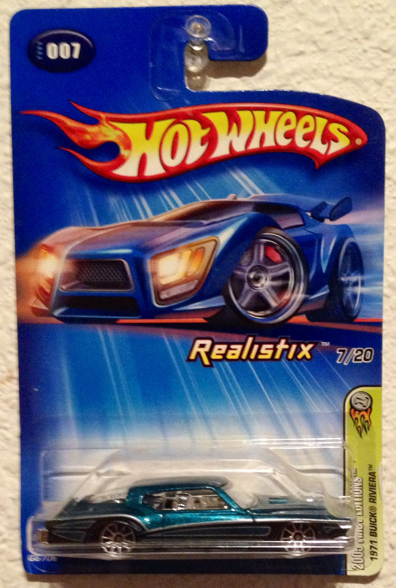 Hot Wheels 2005 First Editions Realistix 1971 Buick Riviera 7 20 2004 Hot Wheels Hot Wheels Display Case Play Vehicles