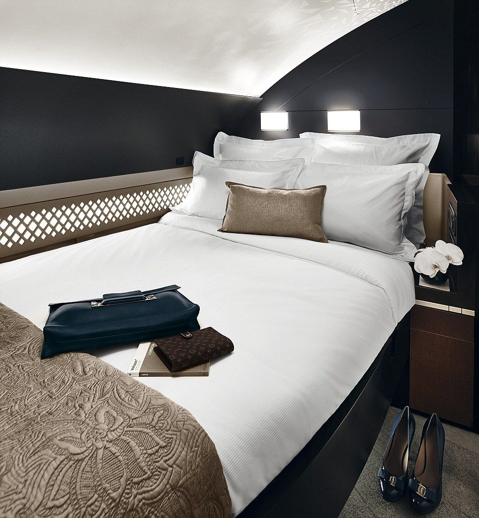 Air France tries to woo wealthy flyers with suites with