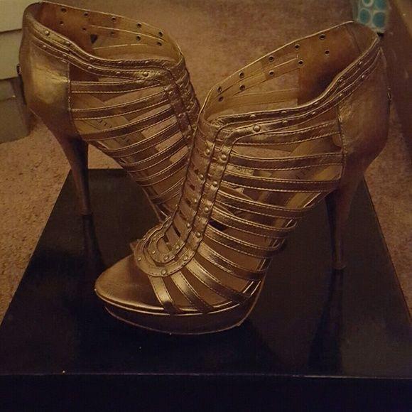 Boutique 9 platform sandal gold Boutique 9 worn twice gold straps platform Boutique 9 Shoes Platforms