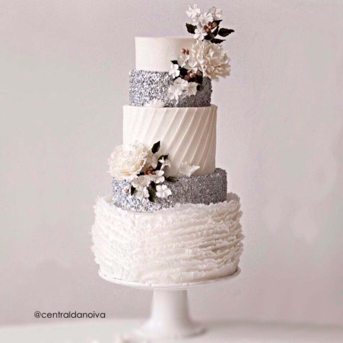 Lindo Prata e Branco. | cake | Pinterest | Wedding cake, Cake and ...