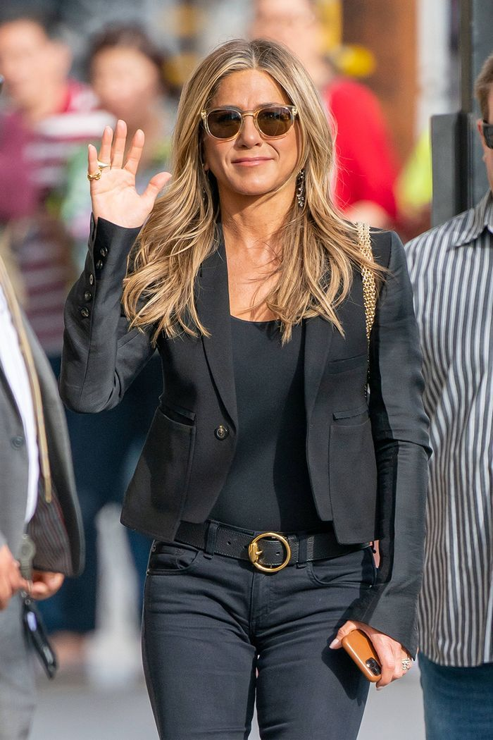 Jennifer Aniston Just Stepped Out in the Perfect Jeans-and-Boot Pairing