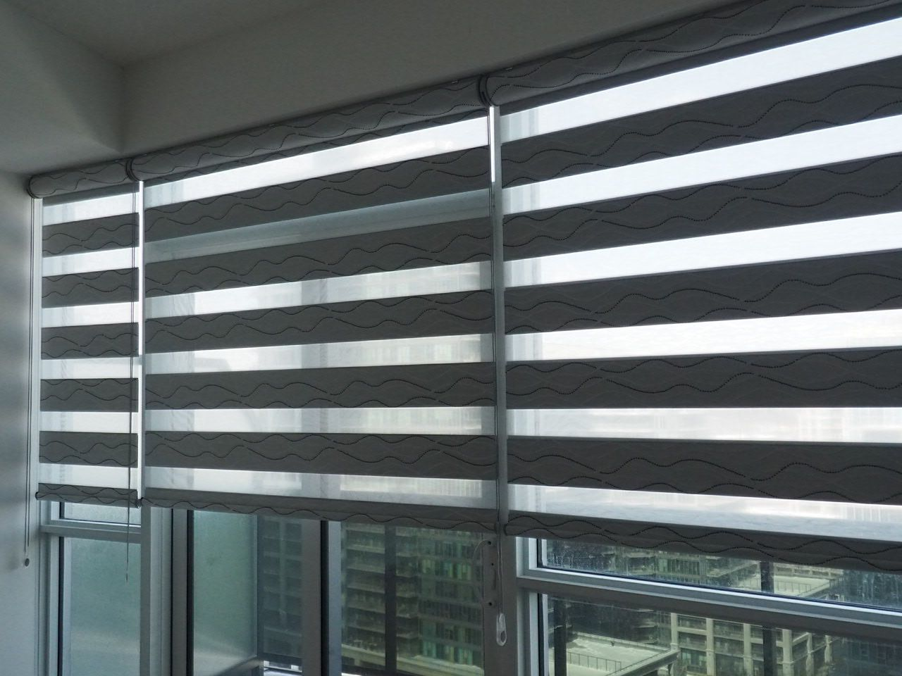 Dual combi vague in grey colour a room darkening combi Room darkening blinds
