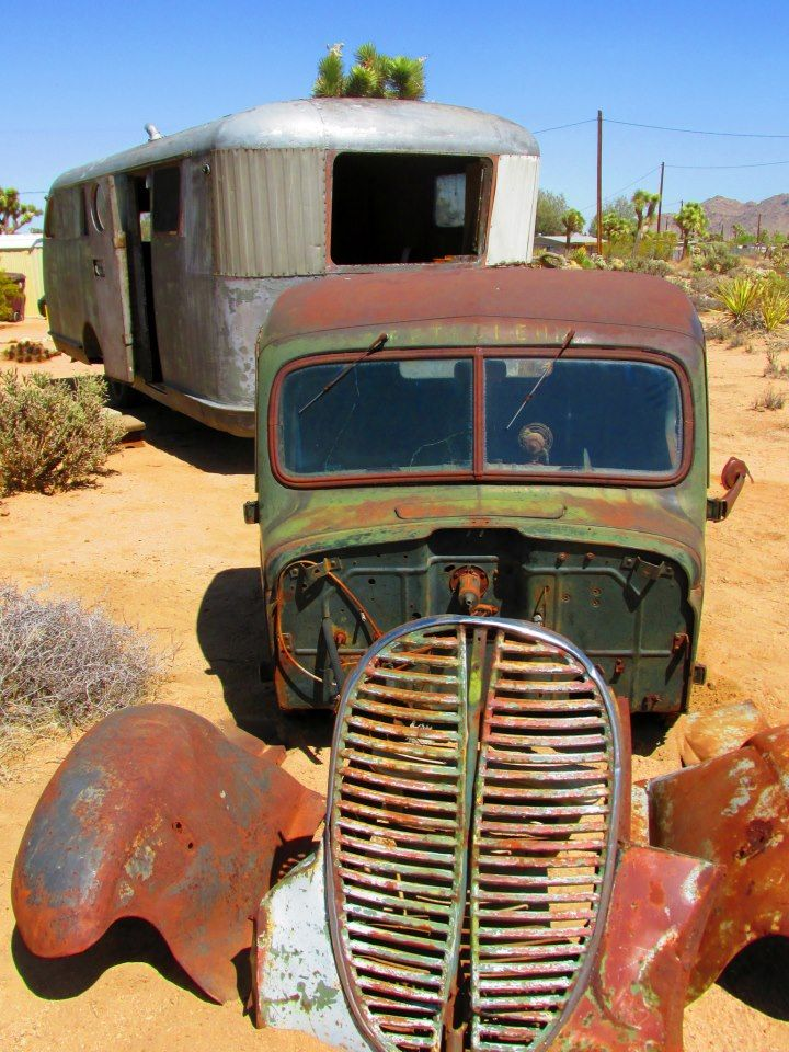Patina ..Waiting The Restorers ! Vintage trailers