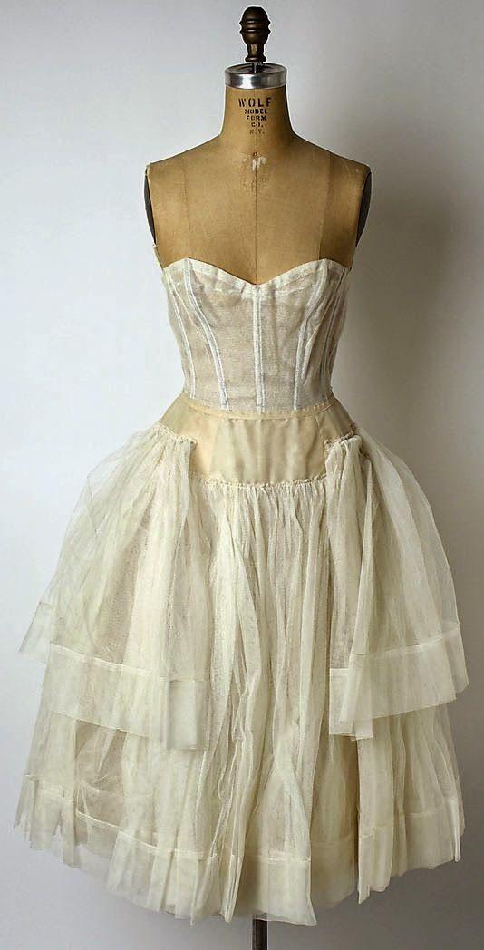Lilacs & Lace | Vintage Fashion 1950-60\'s | Pinterest | Ballkleider ...