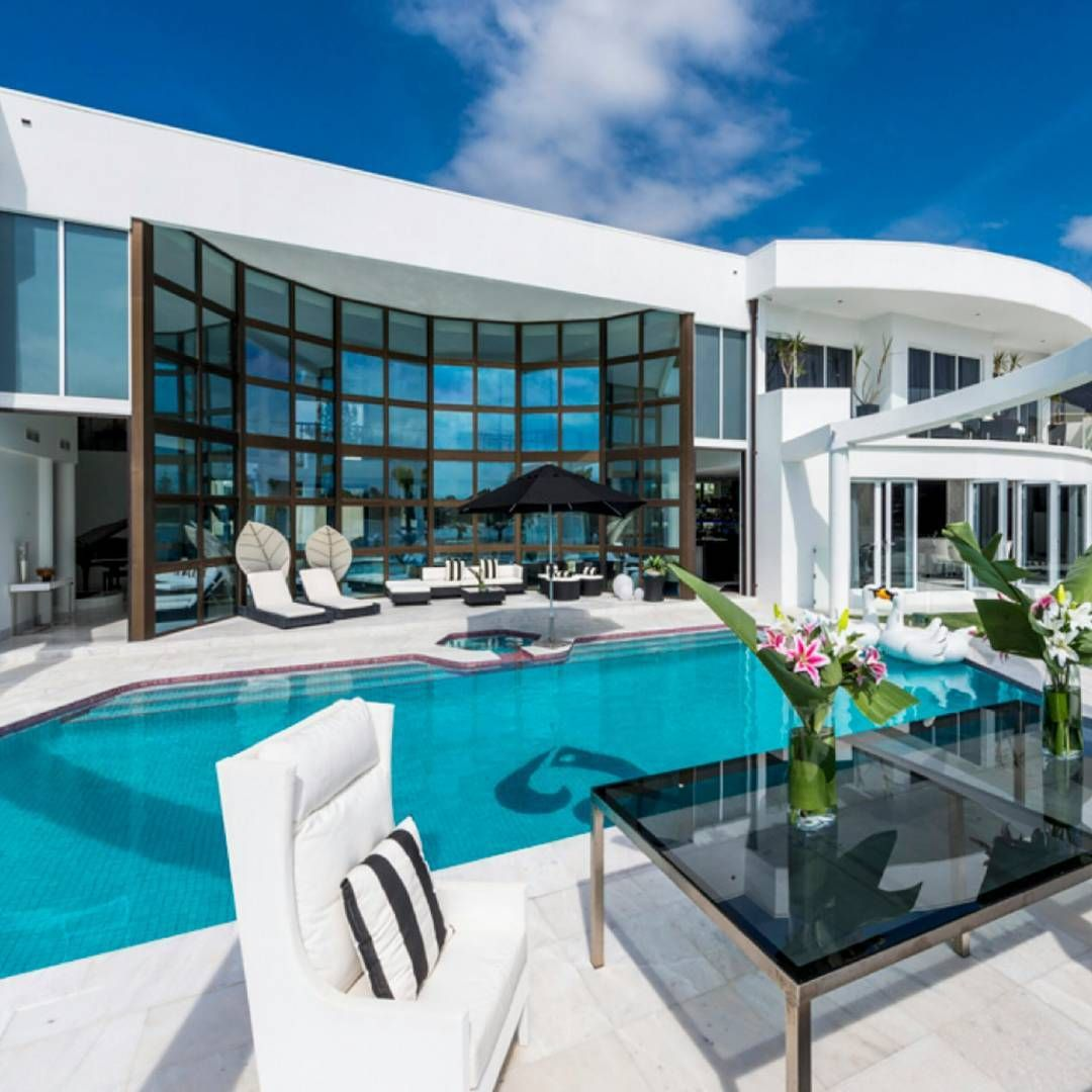77 Likes, 4 Comments - Homes of the Rich (@homesoftherich) on ...