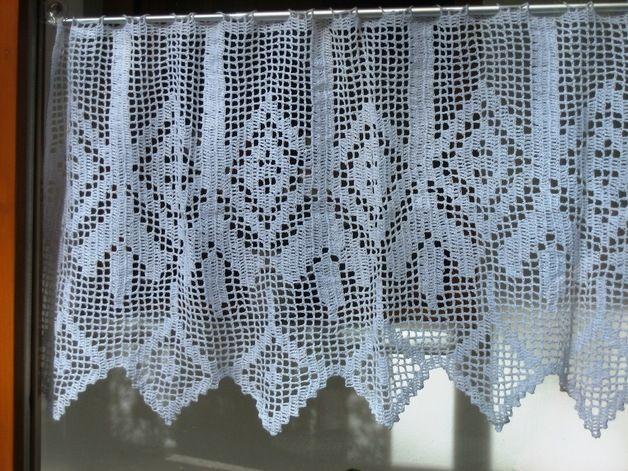 gardine mit geometrischem muster h kelmaschen gardinen pinterest crochet curtains crochet. Black Bedroom Furniture Sets. Home Design Ideas