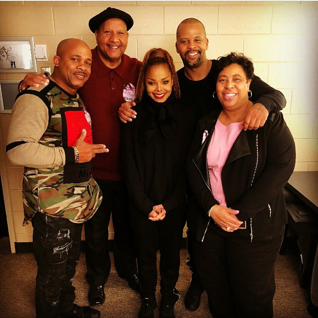 A blog dedicated to the legendary Janet Jackson — Janet with longtime drummer Lil John and his family backstage at the State Of The World Show in Philly tonight.