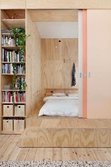 kleine appartementen klein appartement ontwerp kleine ruimtes extra opslag verhoogde slaapkamer