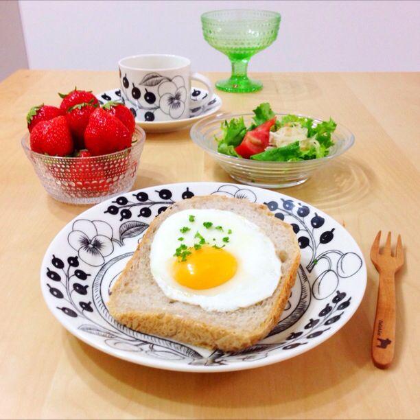 目玉焼きトーストで、朝ごはん。♡