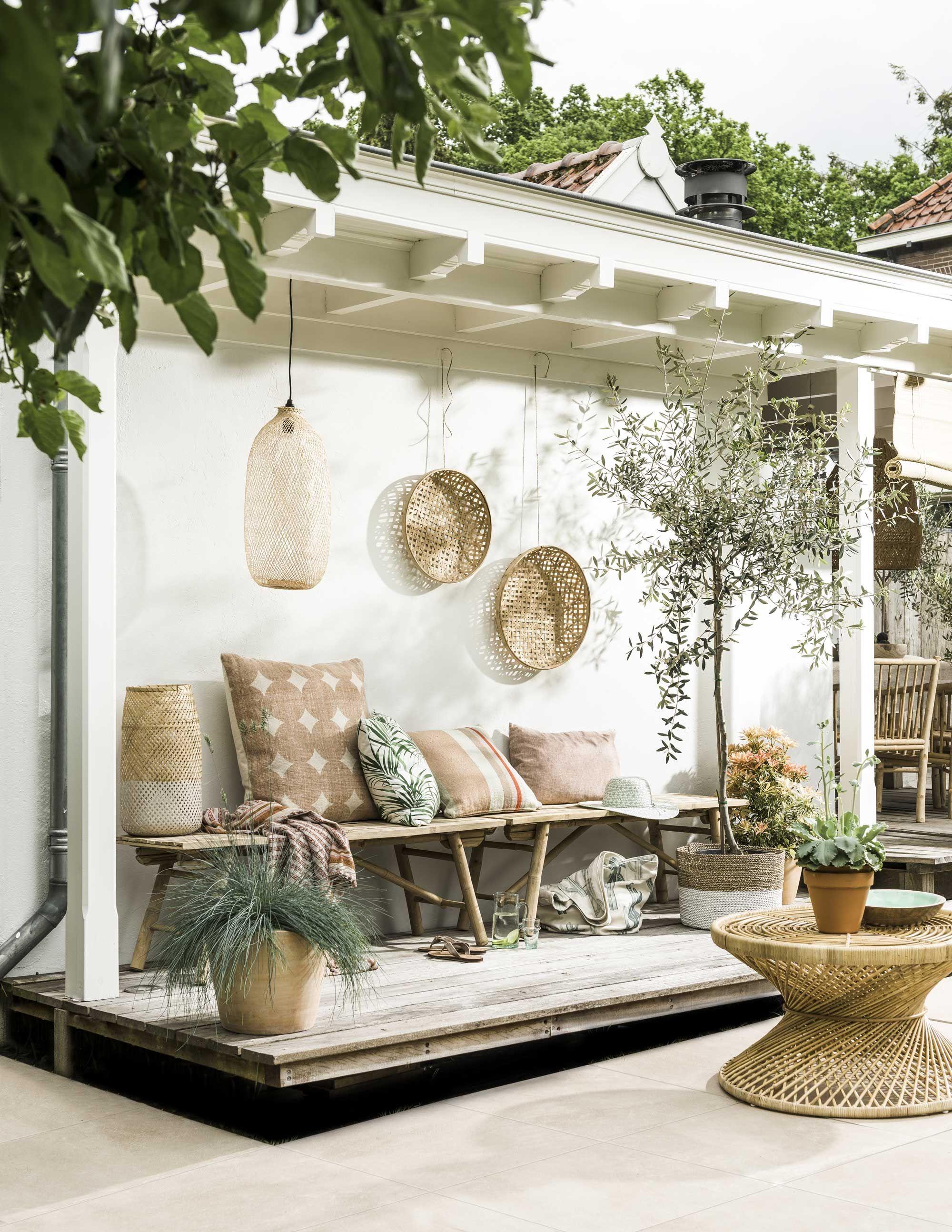 zomerse tuin | summer backyard | vtwonen 07-2016 | Photography Sjoerd Eickmans | Styling Moniek Visser