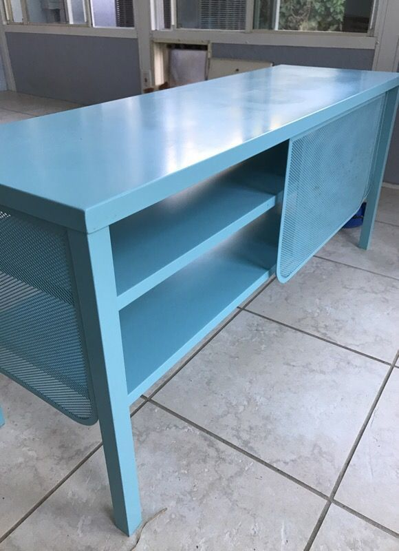 Why Can T I Find This Isala Metal Tv Stand From Ikea It Is Advertised But Not Sold On Any Of Their S Or Websites