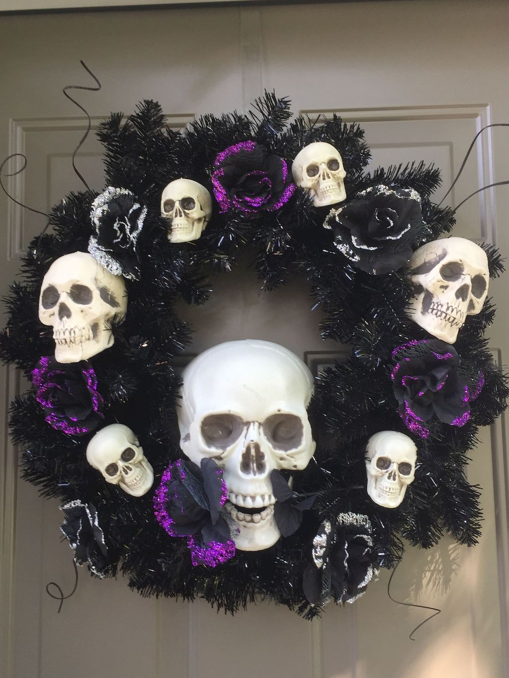 DIY Halloween Wreaths Ideas - Cute Outdoor Halloween Decorations - Pinterest Outdoor Halloween Decorations