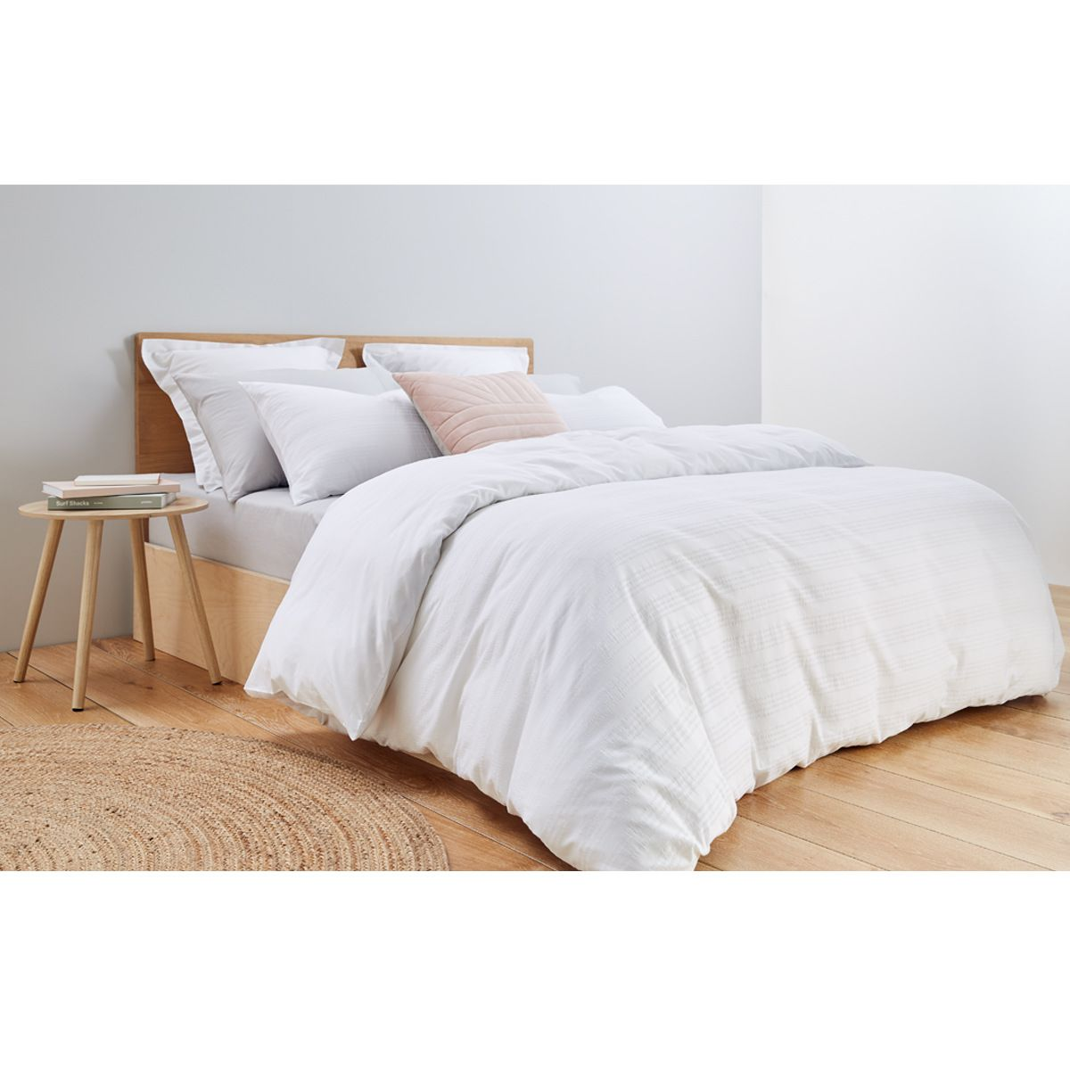 Catherine Seersucker Quilt Cover Set Queen Bed White Kmart