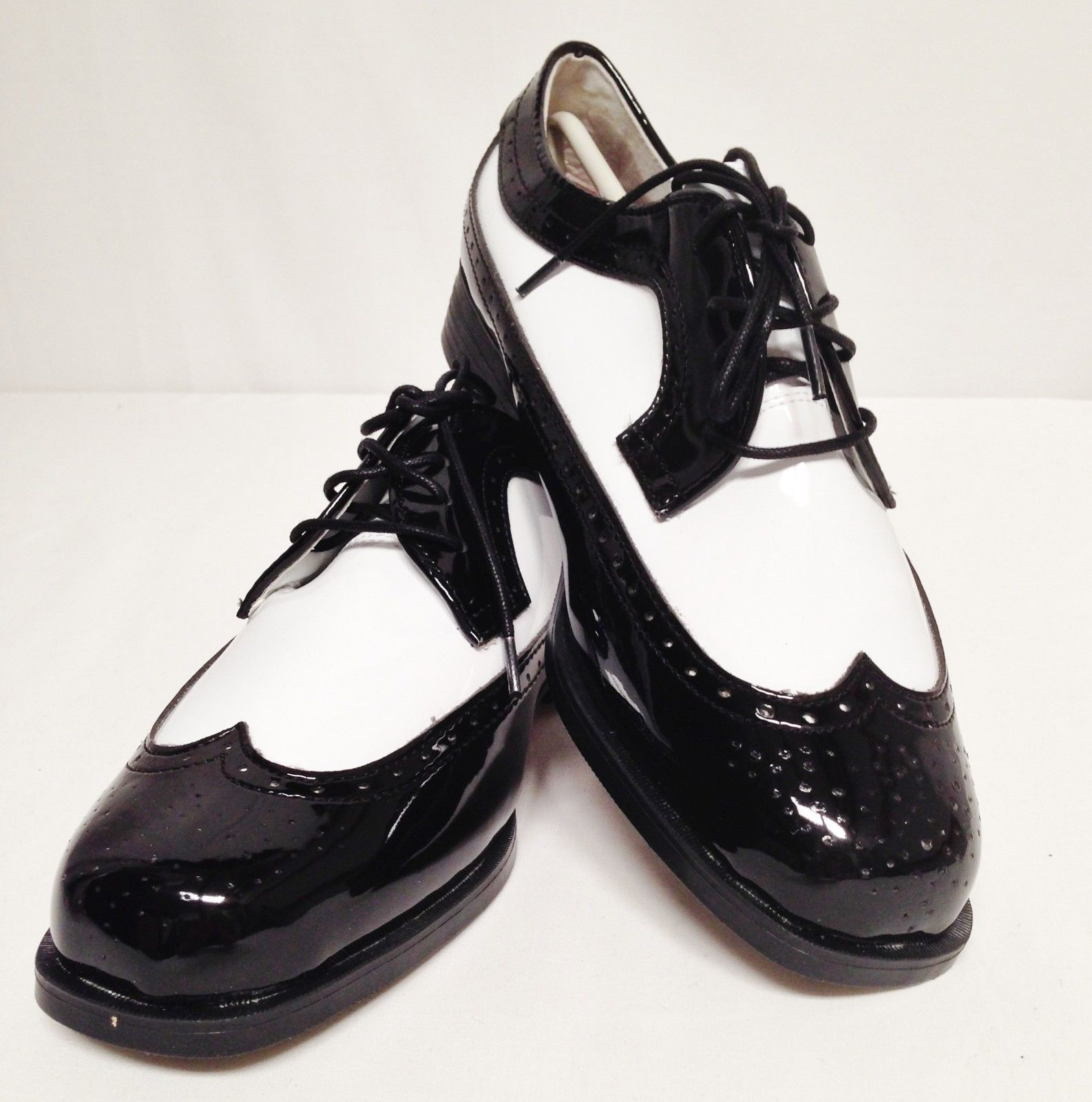 6 M New Mens Black White Wing Tip Tuxedo Dress Shoes Two Tone Zoot Jazz Swing Black And White Man Tuxedo Dress Dress Shoes [ 1600 x 1586 Pixel ]