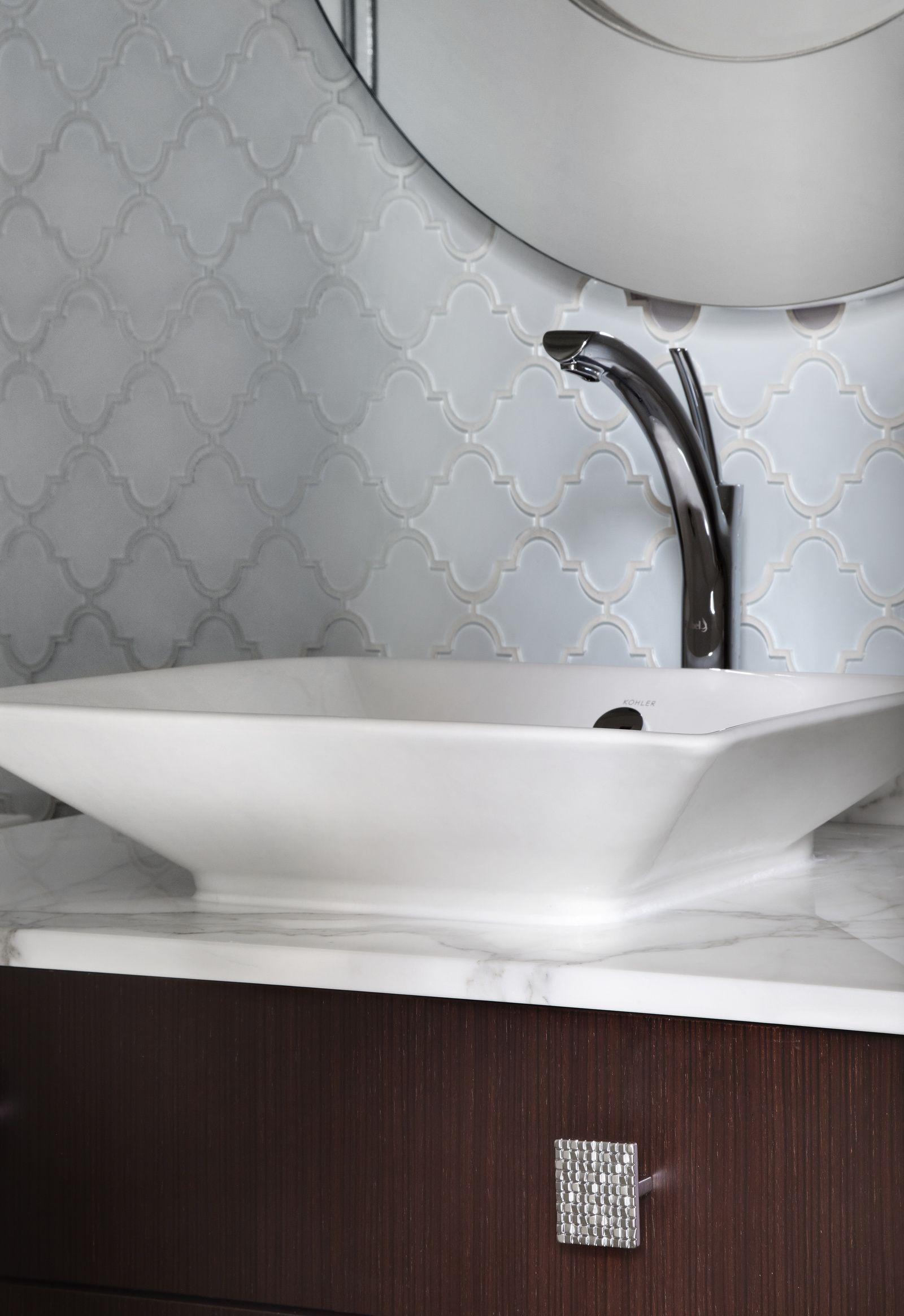 Salomé single hole long faucet / long monotrou Albert David Design