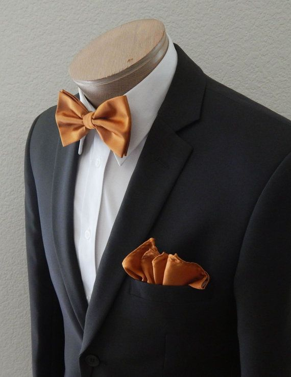 Special Purchase Tie and Pocket Round Set in Blandin
