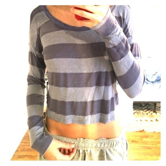 Cropped long sleeve shirt Very soft and comfy  Painted threads Tops Crop Tops