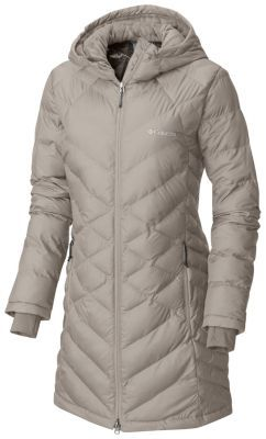 92628d036cc A lightweight coat with synthetic insulation