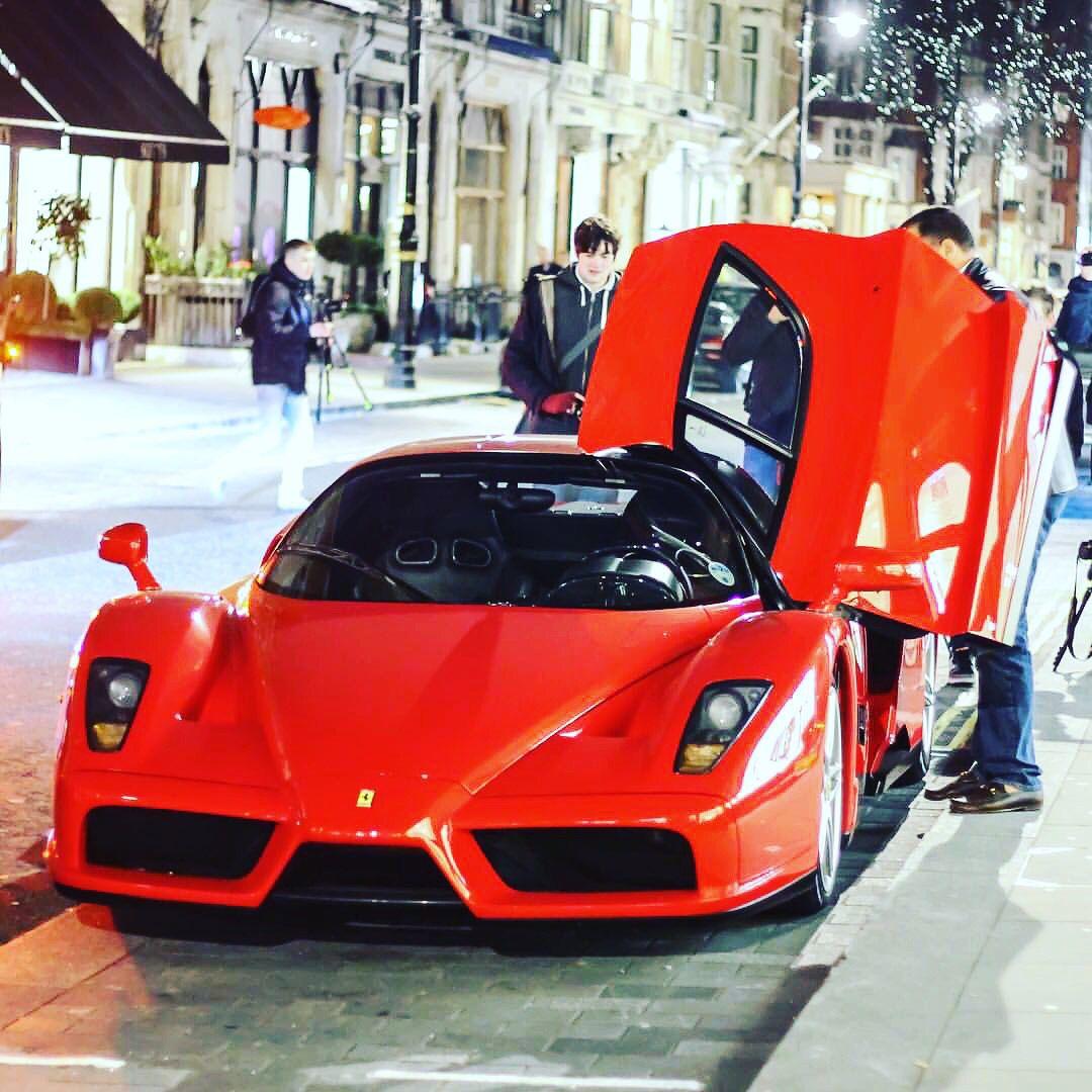 Enzo  #Ferrari #Enzo #NoTimeForATripod #F60 #FerrariEnzo