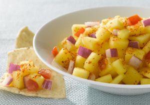 Fiesta Lime Mango Salsa -- a perfect Mrs. Dash recipe - mrsdash.com #saltsubstitute #nosalt #healthysnack
