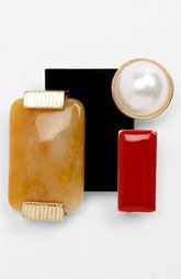 This just might my new favorite thing for the fall-- Broaches...Natasha Couture Deco Brooch