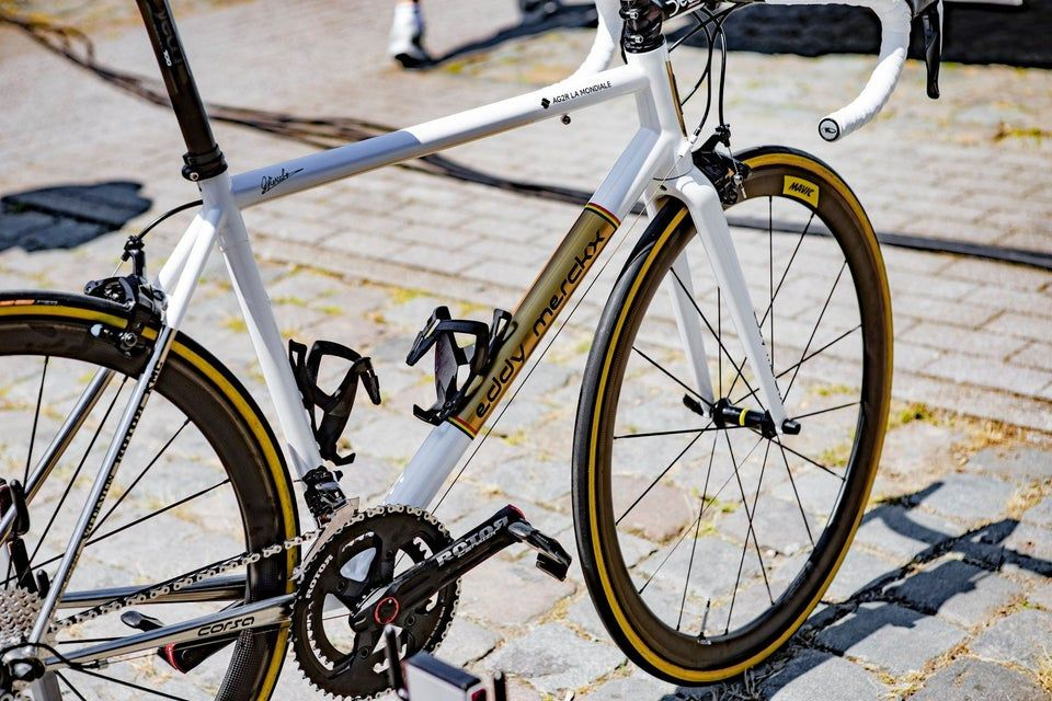 Oliver Naesen S Custom Steel Eddy Merckx For The Final Stage Of