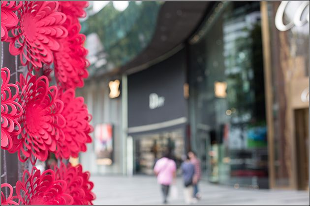 Singapore – Shopping at Orchard Road Singapore – ION Center – Asia