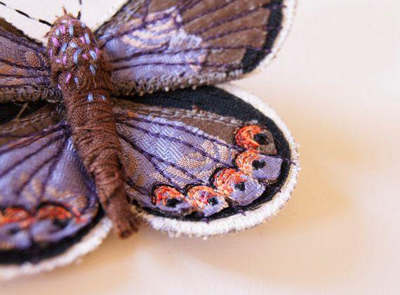 Broche Broderie Papillon Mélissa Bleu Entomology Bijou Forestier Art Textile Espèce en Voie de Disparition