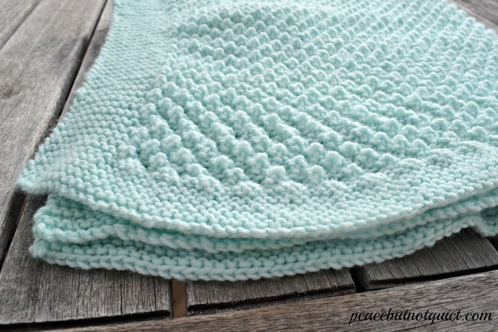 An adorable popcorn baby blanket pattern   Easy knitting, Knit ...