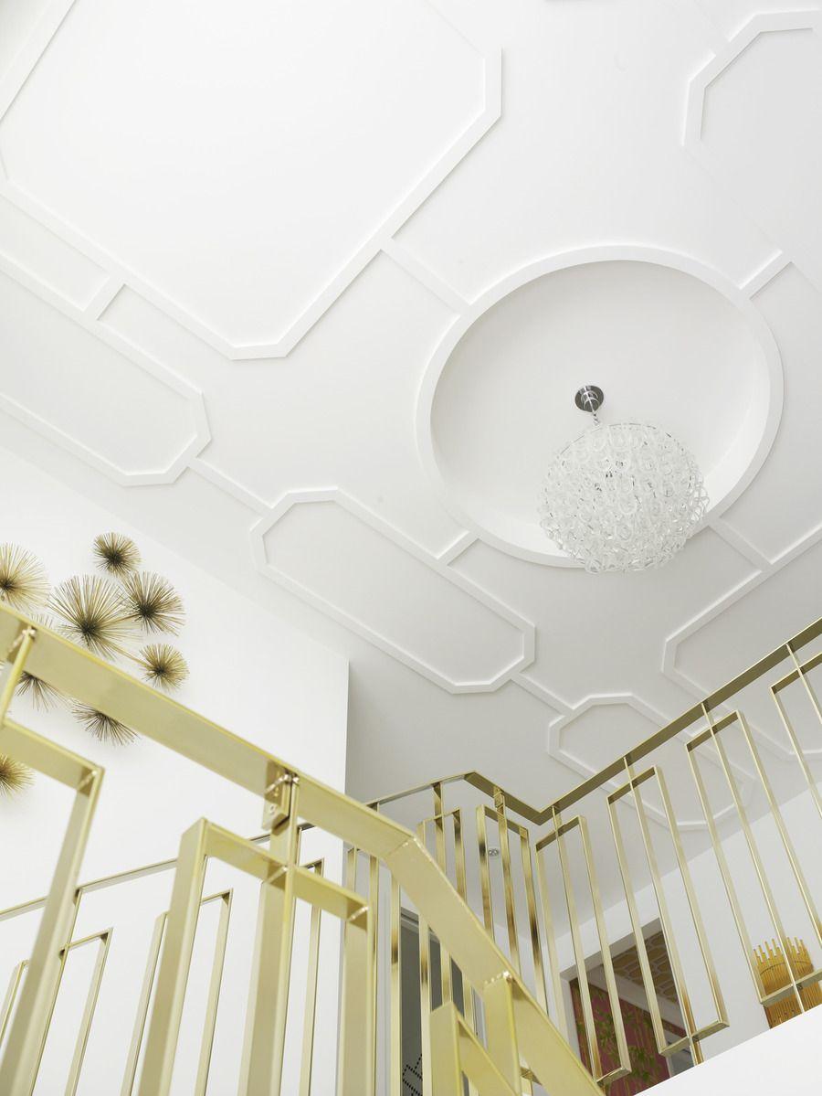 Hausdesign mit zwei schlafzimmern a palm beach style home tour from greg natale  lt楼梯  pinterest