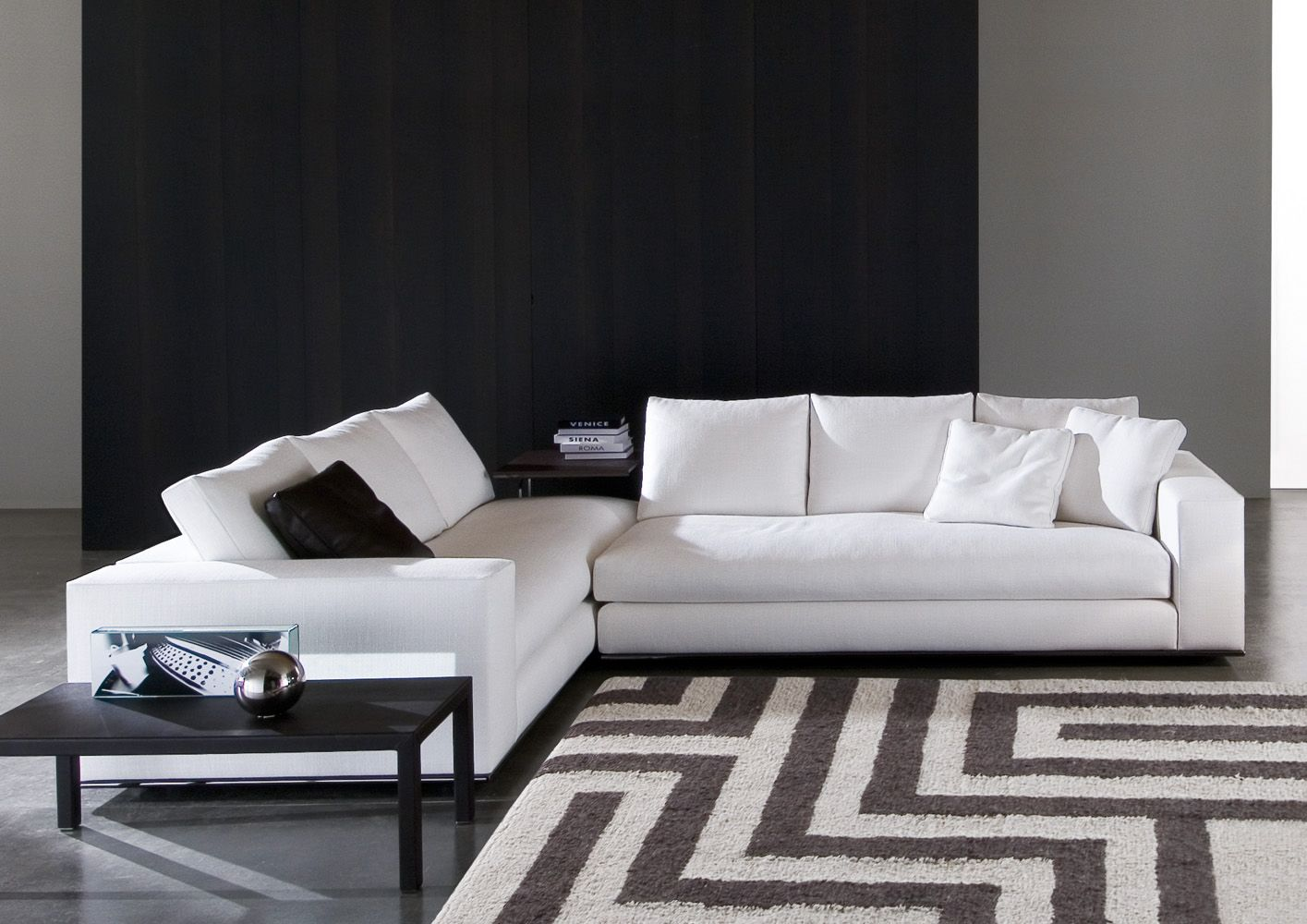 Sensational Minotti Sectional For The Home Hamilton Sofa Sofa Caraccident5 Cool Chair Designs And Ideas Caraccident5Info